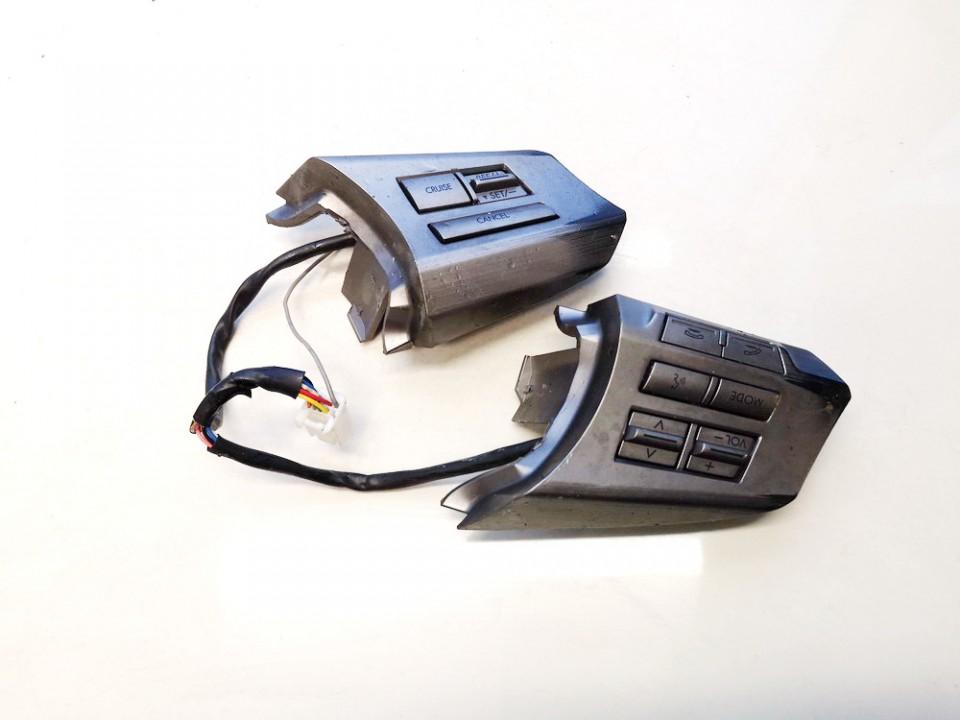 Subaru  Outback Papildomi vairo mygtukai