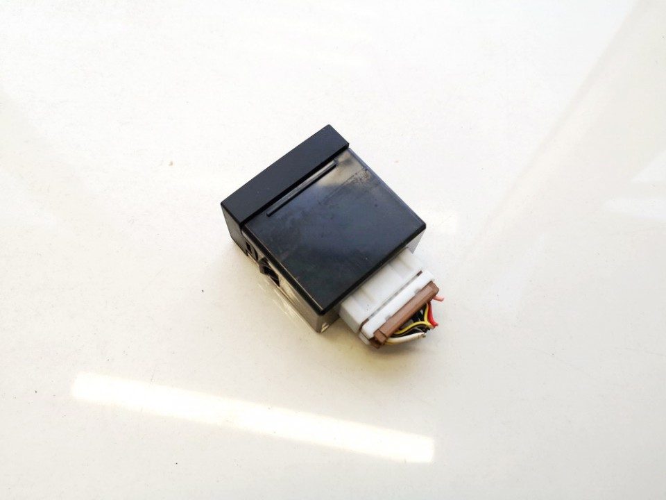 USB-AUX-Ipod jungtys Hyundai i30 2010    1.6 961202r500