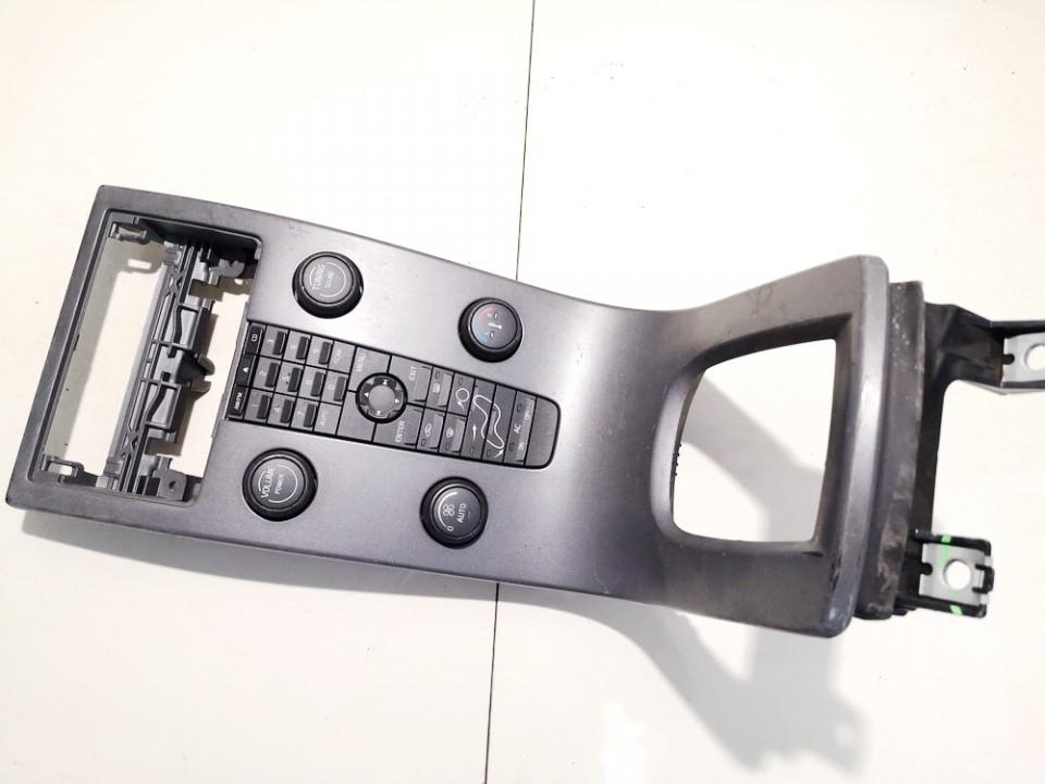 Peciuko valdymas ir automagnetola Volvo V50 2004    1.8 8623067