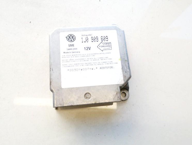 Volkswagen  Golf Airbag crash sensors module