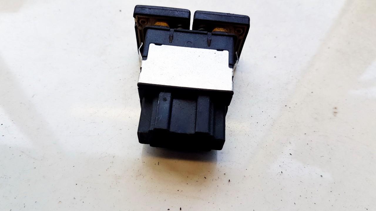 Kondicionieriaus mygtukas Volkswagen Golf 1999    0.0 USED