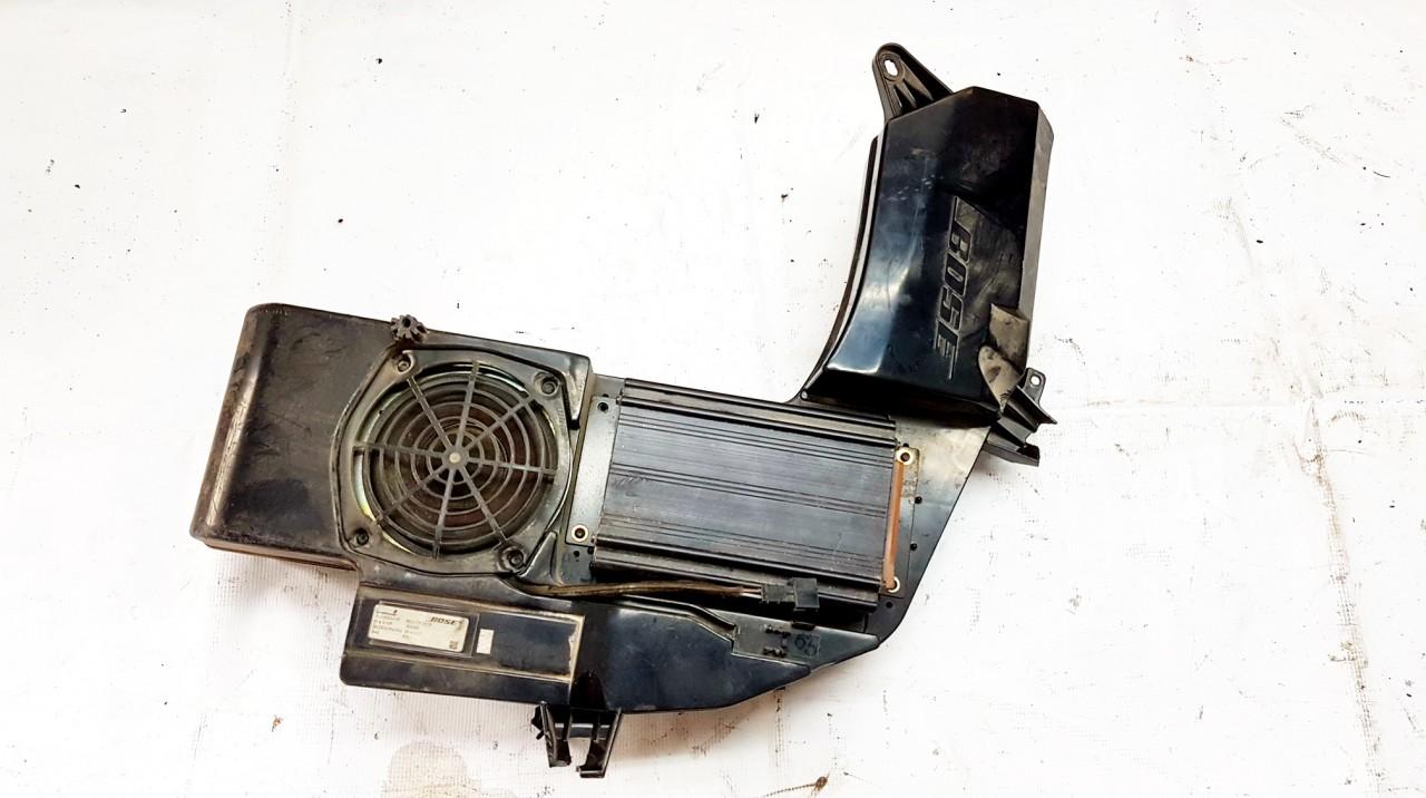 Zemu dazniu garsiakalbis Audi A4 2005    0.0 8E9035382A