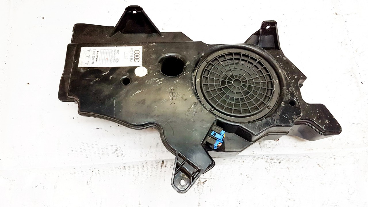 Zemu dazniu garsiakalbis Audi A3 2005    0.0 8P3035382