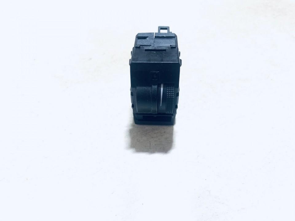 Audi  A6 Zibintu aukscio reguliatoriaus mygtukas