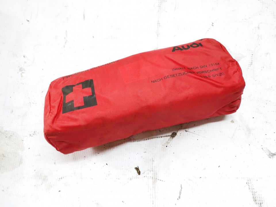 First Aid Kit Volkswagen Passat 2000    2.0 used