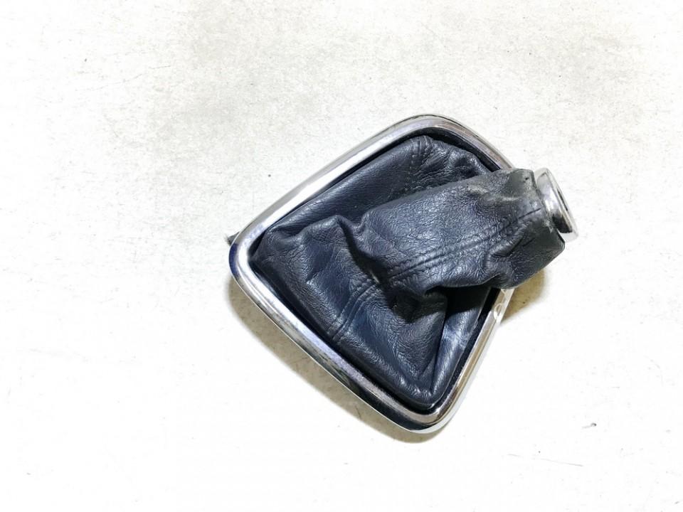 Pavaru svirties apdaila (apvalkalas) Toyota Corolla Verso 2003    2.0 used