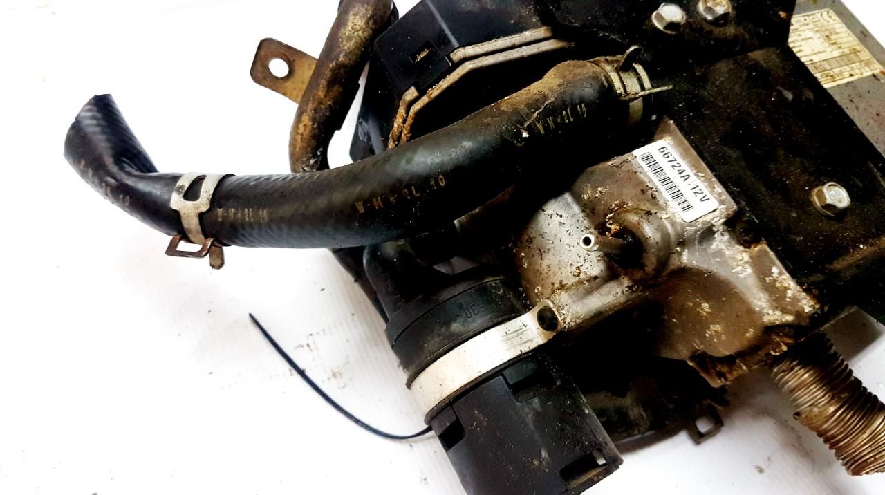 Webasto Mazda MPV 2003    2.0 E1021131