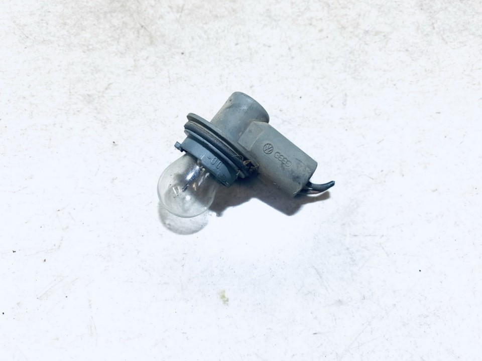 Front Indicator Bulb Holder Volkswagen Passat 1991    1.9 used