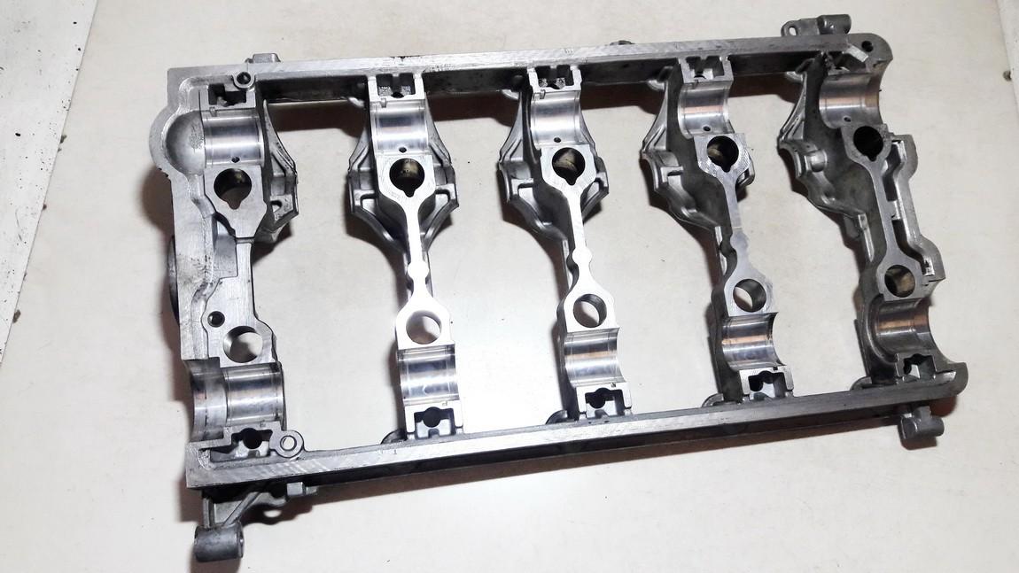Galvos plokste Volkswagen Passat 2006    2.0 03g103308c