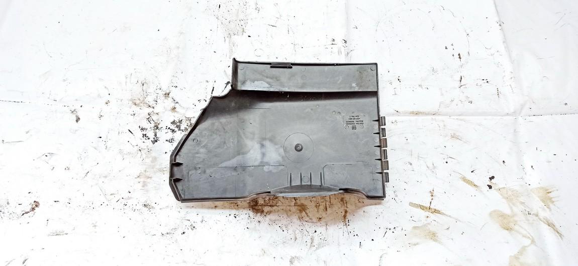 Baterijos - akumuliatoriaus dangtelis Opel Vectra 2004    2.2 24438485