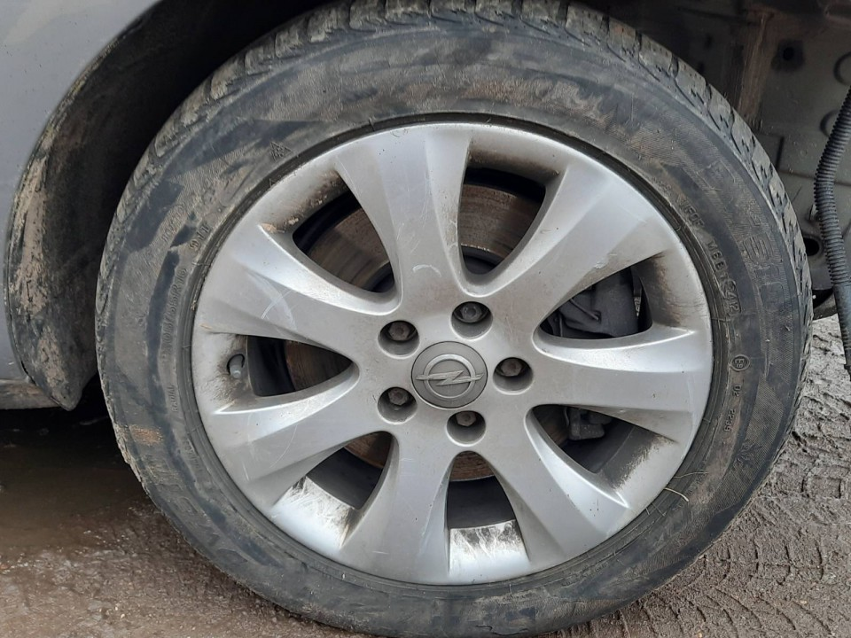 Lietu ratu komplektas R16 Opel Meriva 2011    1.7 used