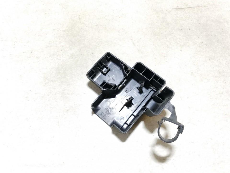 Baterijos - akumuliatoriaus dangtelis Lexus IS - CLASS 2006    2.2 8282130640