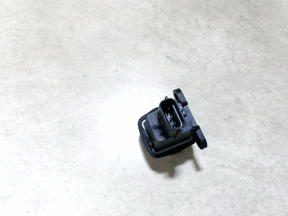Inertia fuel cut off switch (FUEL CUT OFF SWITCH) Renault Laguna 2000    0.0 7700306391