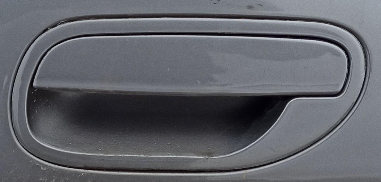 Volvo  V40 Duru isorine rankenele G.K.