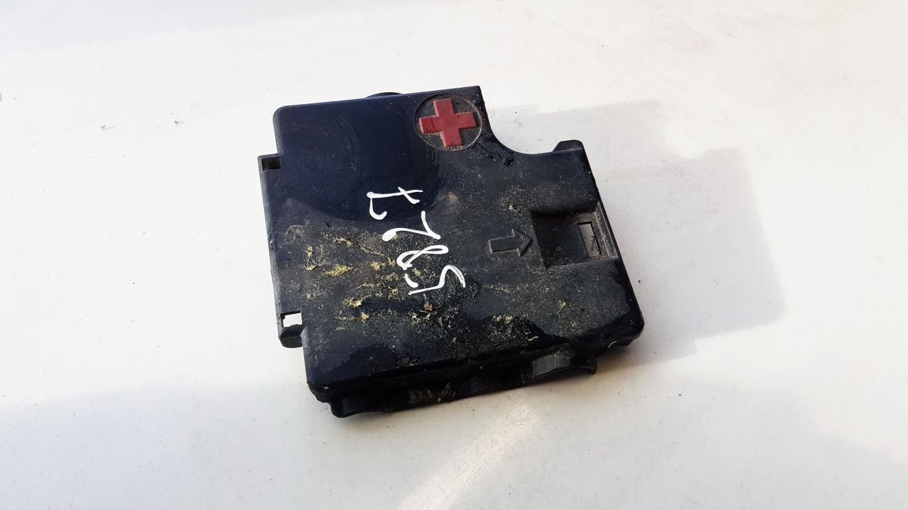 Baterijos - akumuliatoriaus dangtelis Audi A5 2010    2.0 8K0937517A