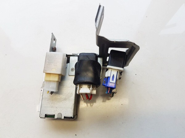 ABS kompiuteris Mazda 323 1996    1.3 BG1P67650A