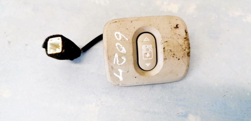 Liuko valdymo mygtukas Nissan Qashqai 2008    2.0 USED