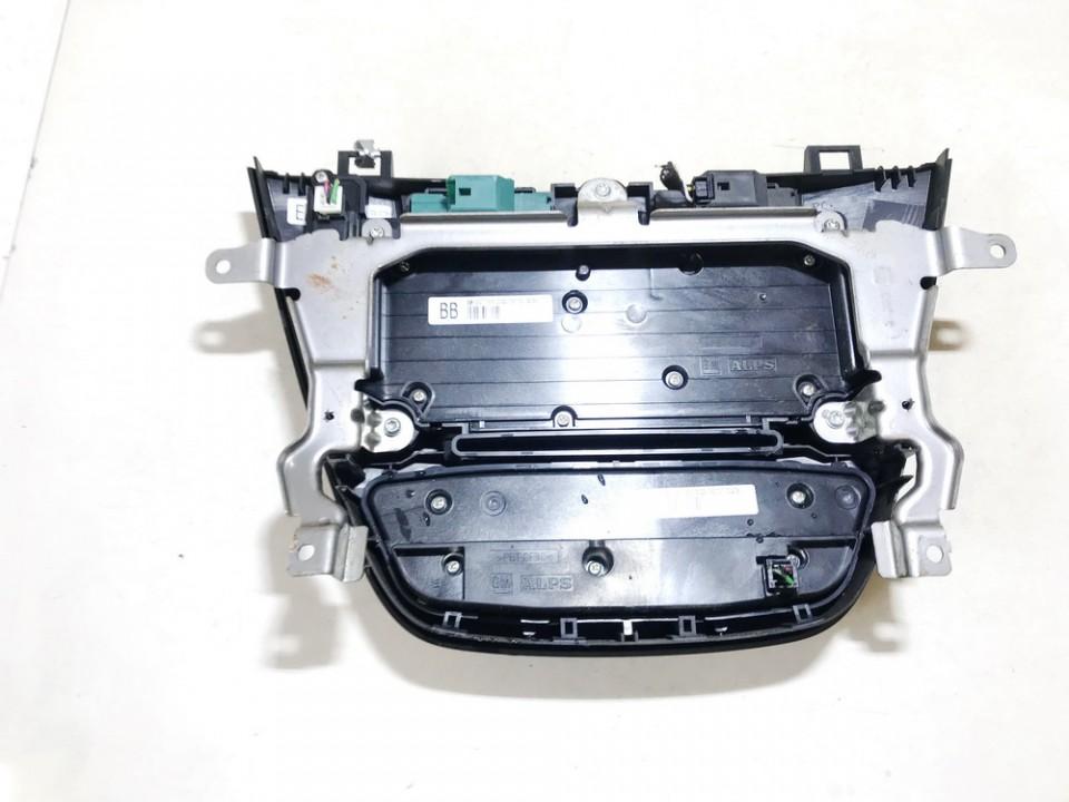 Automagnetolos valdymo konsole Opel Insignia 2009    2.0 13277909