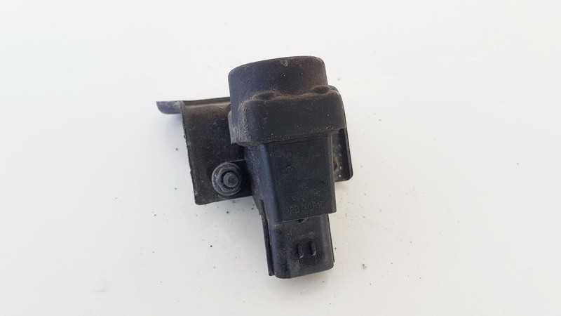 Inertia fuel cut off switch (FUEL CUT OFF SWITCH) Kia Cerato 2004    1.6 9598026000
