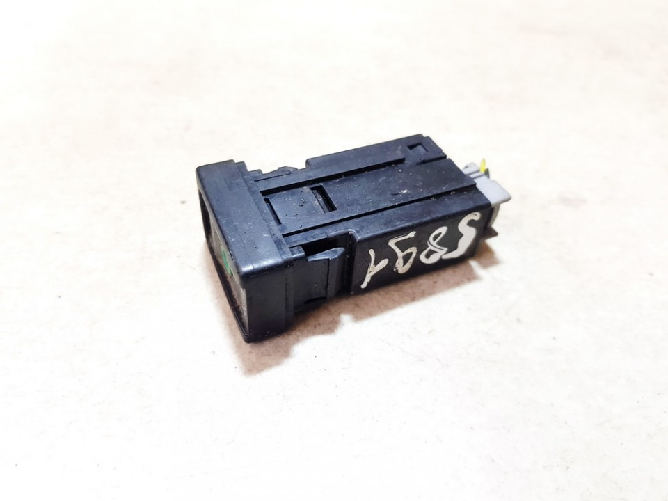 USB-AUX-Ipod jungtys Toyota RAV-4 2010    2.2 used