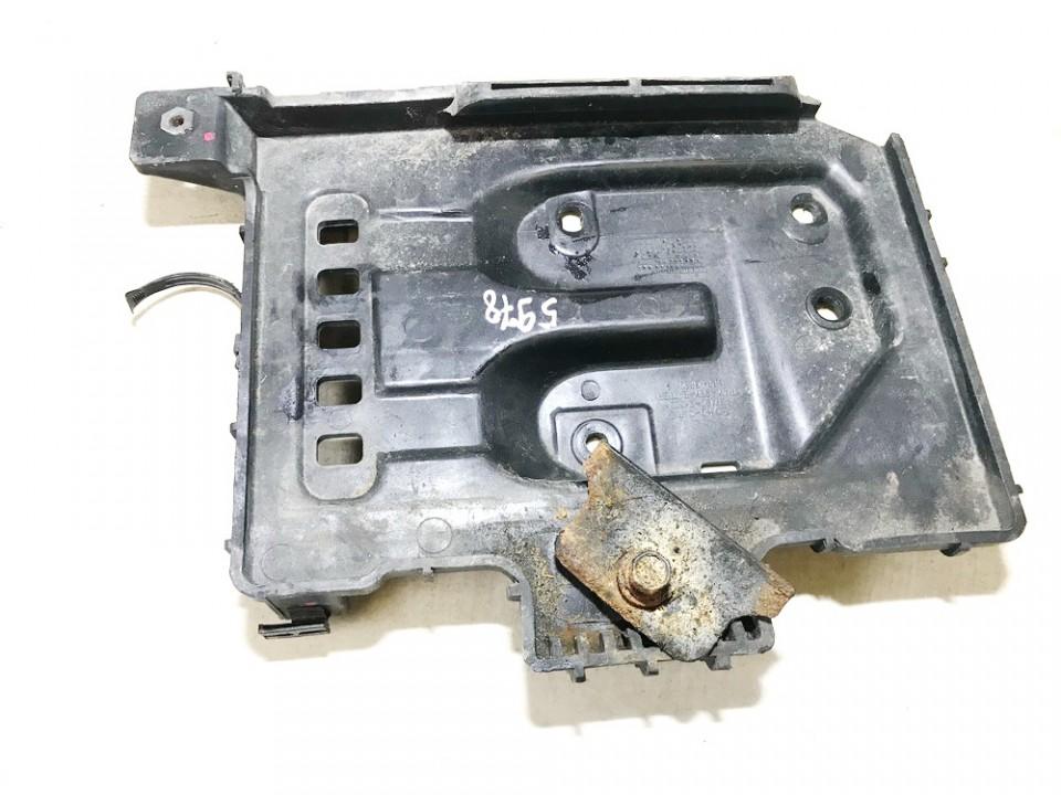 Baterijos - akumuliatoriaus laikiklis Kia Ceed 2011    1.6 371502h000