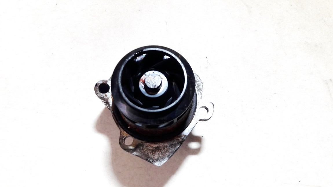 Vandens pompa (siurblys) Volkswagen Polo 2004    1.4 USED