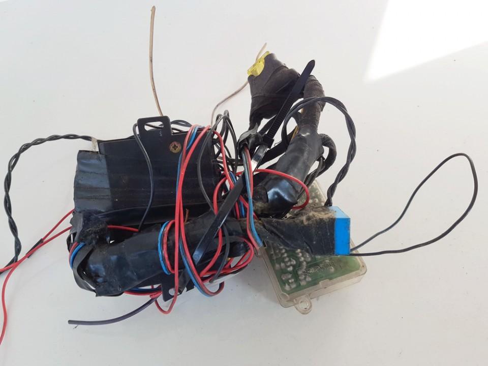 Signalizacijos blokelis Audi 80 1989    1.8 USED