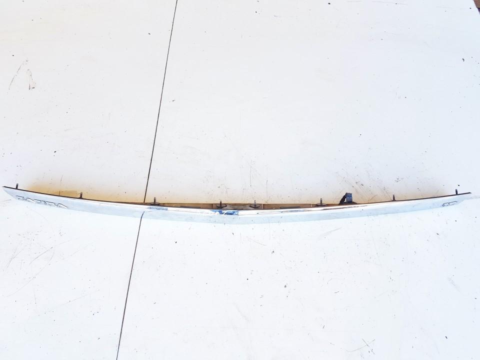 Galinio dangcio isorine apdaila (numerio apsvietimas) Opel Zafira 2010    1.8 13266474