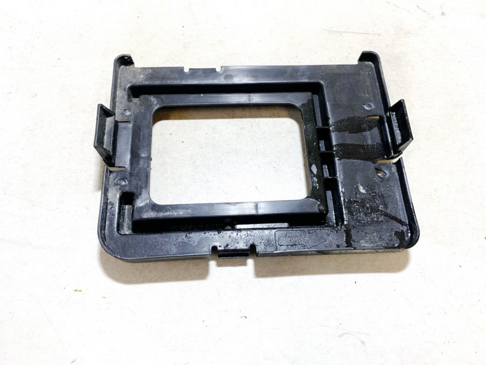 13312809 used Salono apdaila (plastmases) Opel Meriva 2011 1.7L 14EUR EIS01047621
