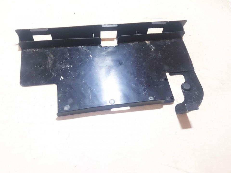 Baterijos - akumuliatoriaus dangtelis Audi A5 2010    2.0 8k0915429g