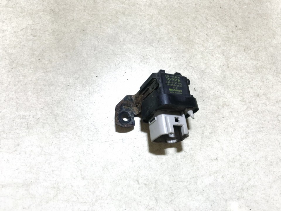 Glow plug relay Toyota Avensis Verso 2001    2.0 2861067010