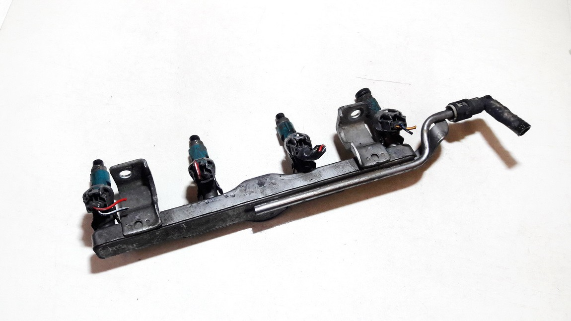Mazda  2 Fuel injector rail (injectors)(Fuel distributor)