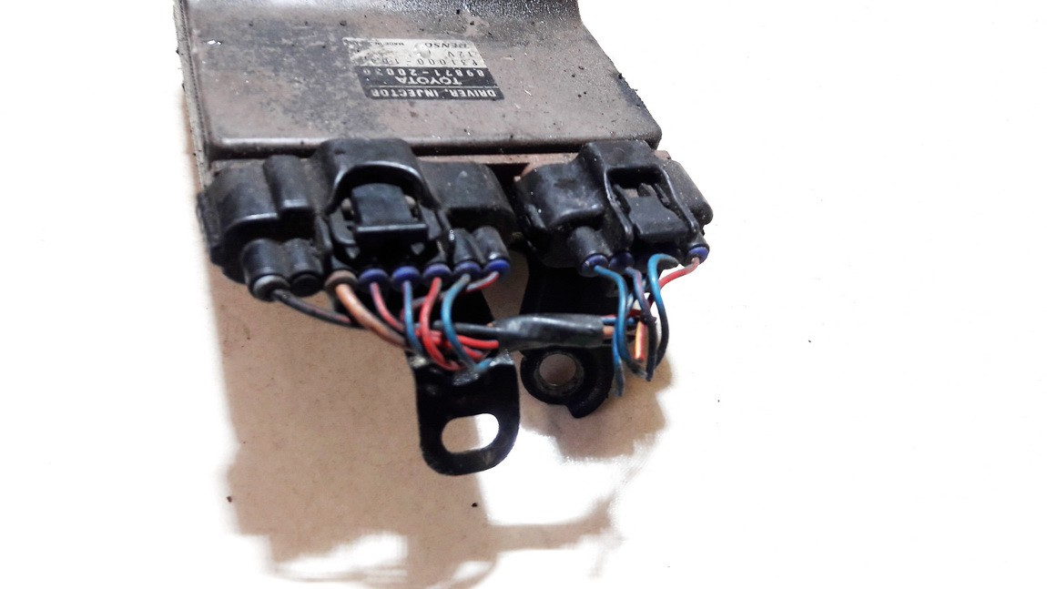 Fuel Injection ECU (Injector ECU) Toyota Corolla Verso 2003    2.0 8987120030