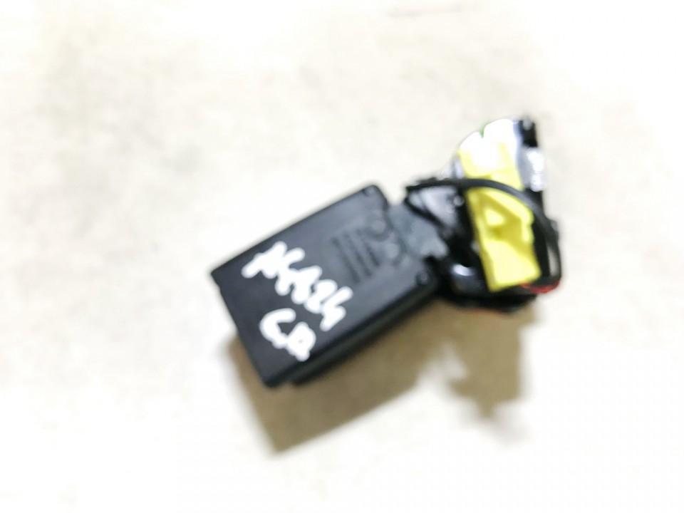 Saugos dirzo sagtis (laikiklis) G.D. Volvo S60 2012    1.6 34069269