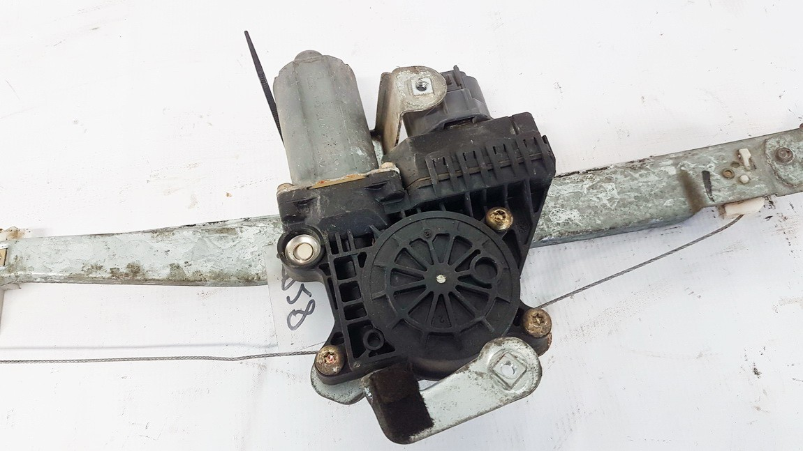 Duru lango pakelejo varikliukas G.D. Ford Mondeo 2001    2.0 0130821772
