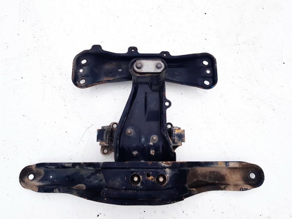 Isilginis traversas Subaru Outback 2011    2.0 41022aj090