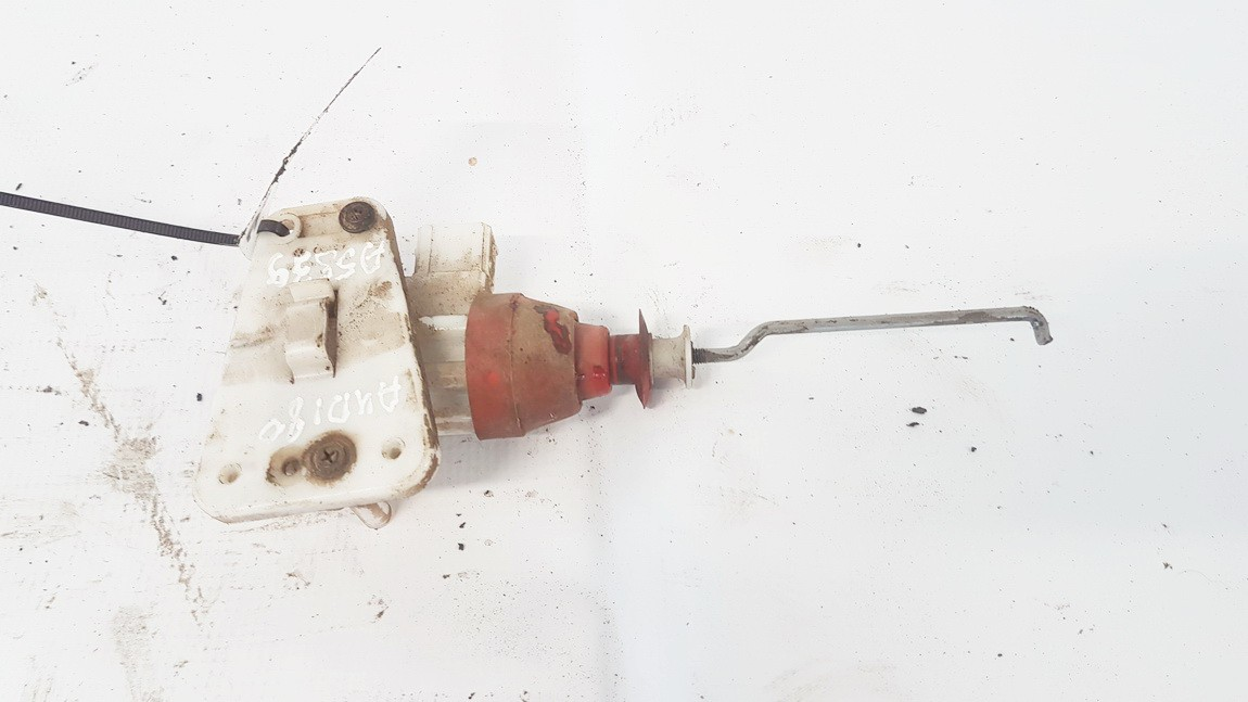 Duru uzrakto vakuumine pompele Audi 80 1990    1.8 893862153