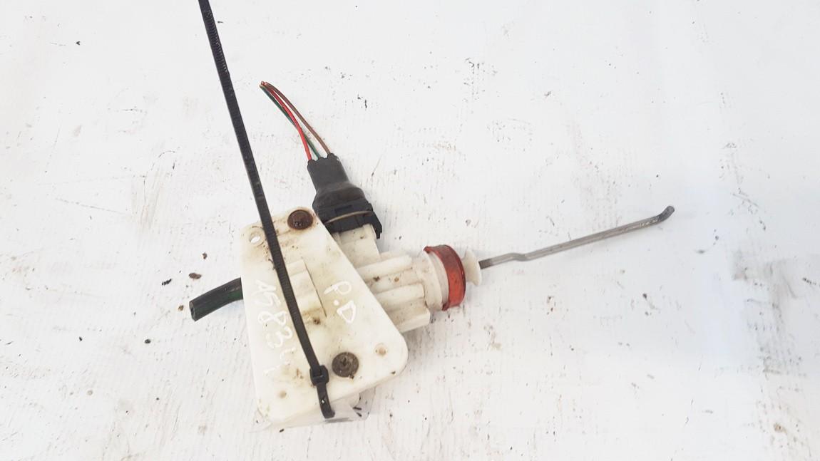 Duru uzrakto vakuumine pompele Audi 80 1987    1.8 893862123