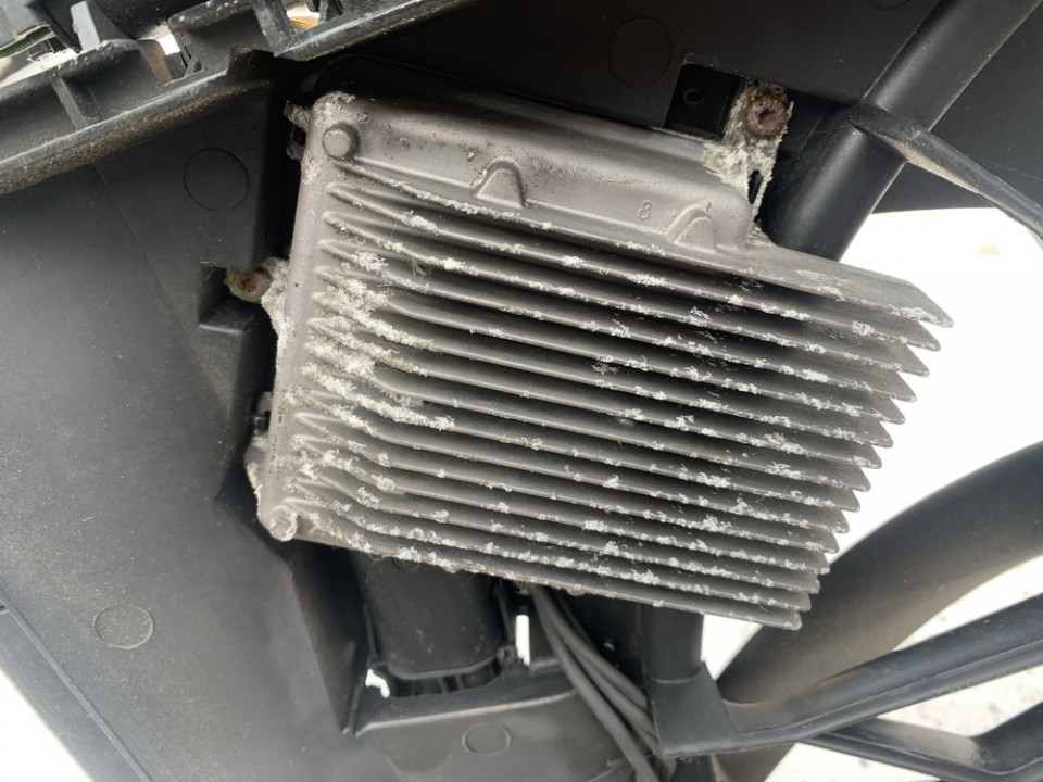 Blower Fan Regulator (Fan Control Switch Relay Module)  Mercedes-Benz C-CLASS 2003    1.8 885001965
