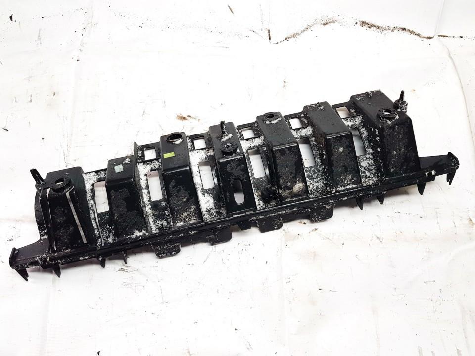 Bamperio laikiklis G. Peugeot 3008 2011    1.6 9682936080