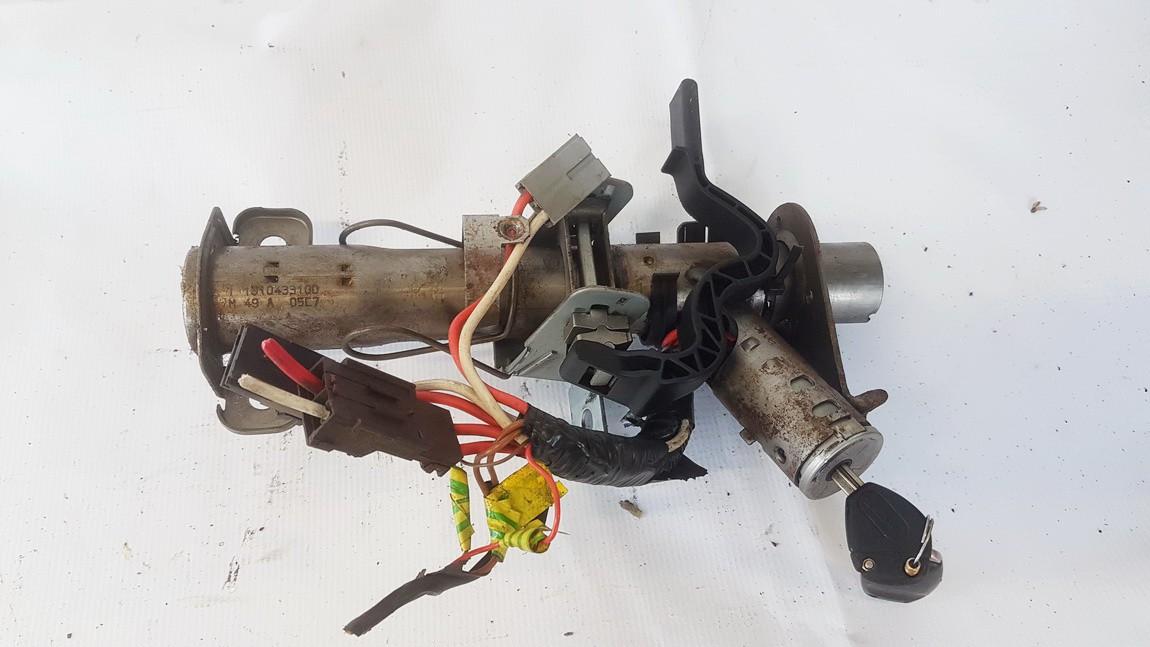 Uzvedimo spyna Citroen Berlingo 1997    1.9 B047C7