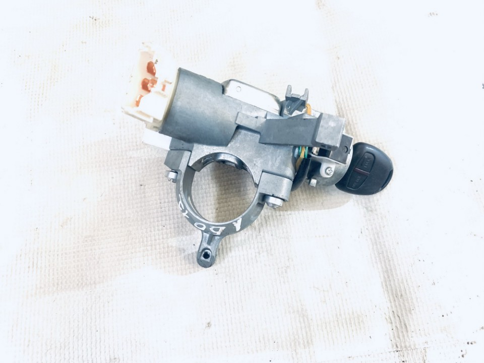 Uzvedimo spyna Mitsubishi Lancer 2011    1.5 used