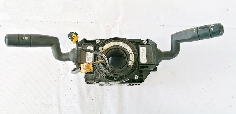 Posukiu, Sviesu ir valytuvu rankeneliu komplektas Land-Rover Freelander 2008    2.2 6G9N3F975BC