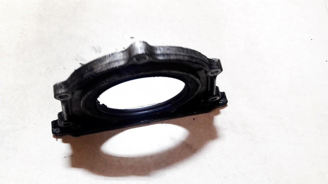 Variklio priekinis dangtelis (salnikas) Kia Sedona 2002    2.9 USED