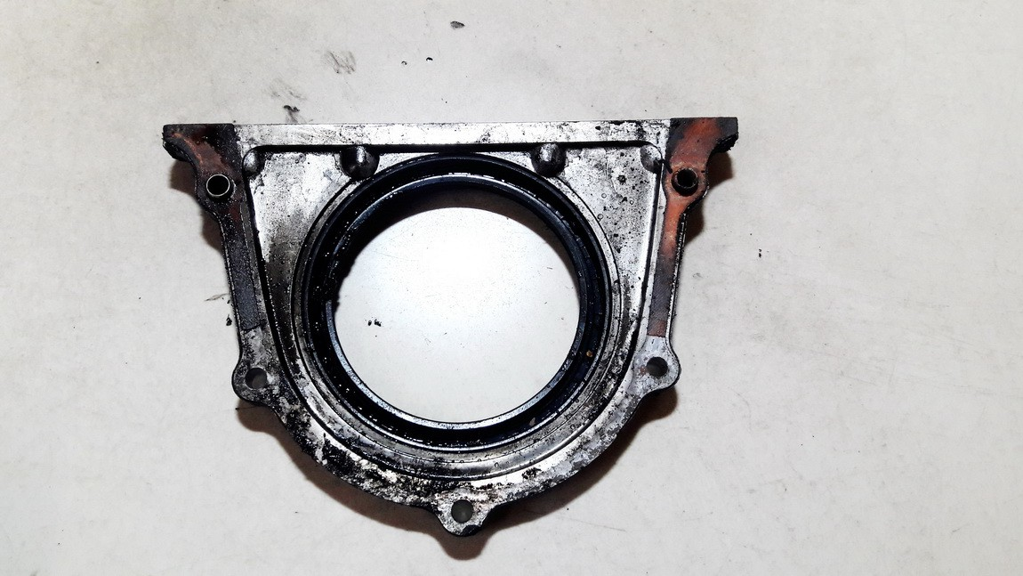 USED USED Front Cover, Crank Seal Housing (Sealing Flange) Kia Sedona 2002 2.9L 9EUR EIS01056873