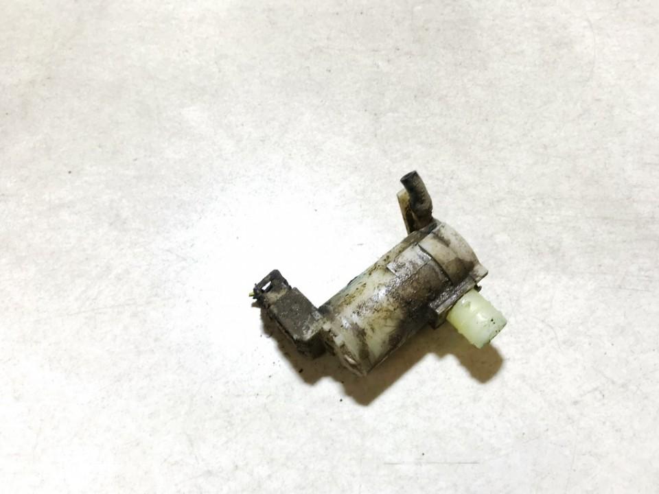 Windshield Windscreen Washer Pump Mitsubishi Outlander 2004    2.4 used