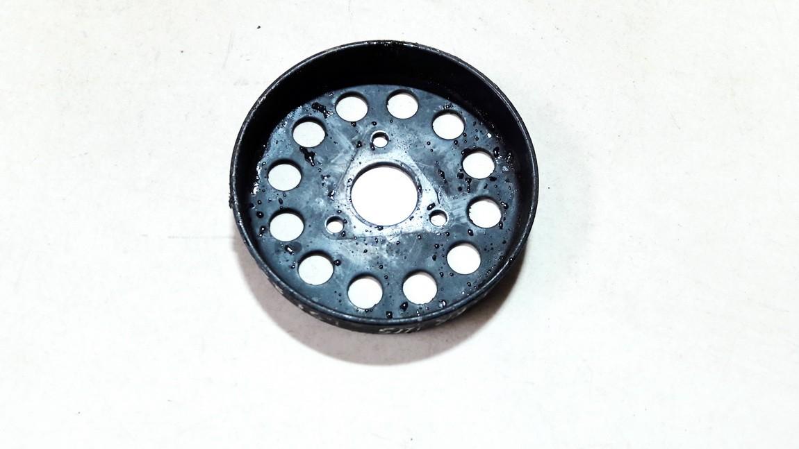 Vandens pompos dantratis (skyvas - skriemulys) Toyota Prius 2005    1.5 USED