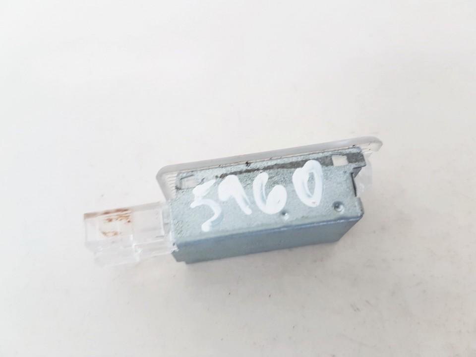 Salono lemputė Porsche Cayenne 2003    4.5 6L0947565