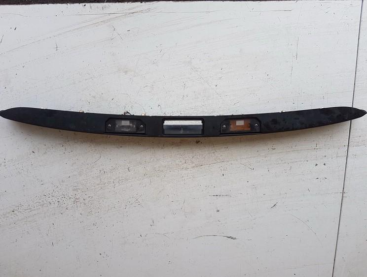 Galinio dangcio isorine apdaila (numerio apsvietimas) Ford Focus 2005    1.6 USED