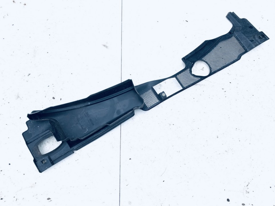 Valytuvu apdailos plastmase P. Audi A5 2008    3.0 8k2819447